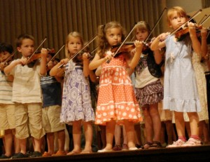 Children_Playing_Violin_Suzuki_Institute_2011